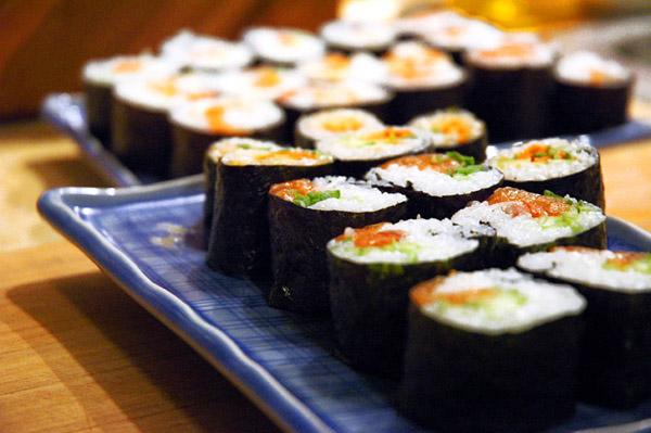 image viahttp://s2bpress.com/news/sushi-shop-a-milano/