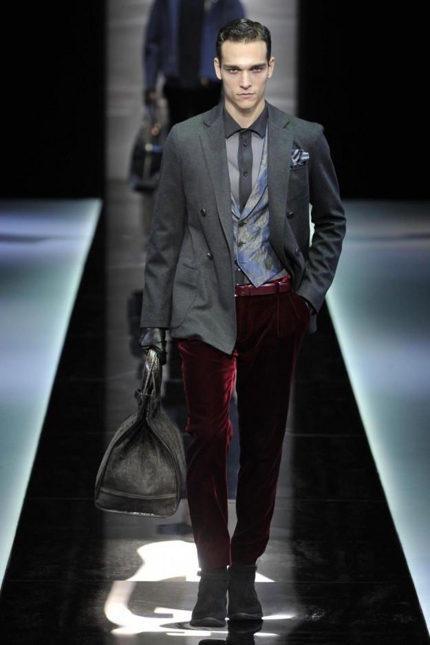 Pantaloni color rubino Giorgio Armani Autunno Inverno 2013.