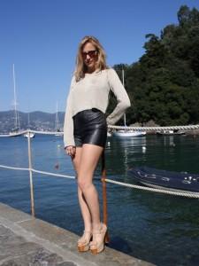 Fabiola Yvonne wearing Collegestore Manhattan for Lifestyleandchilling